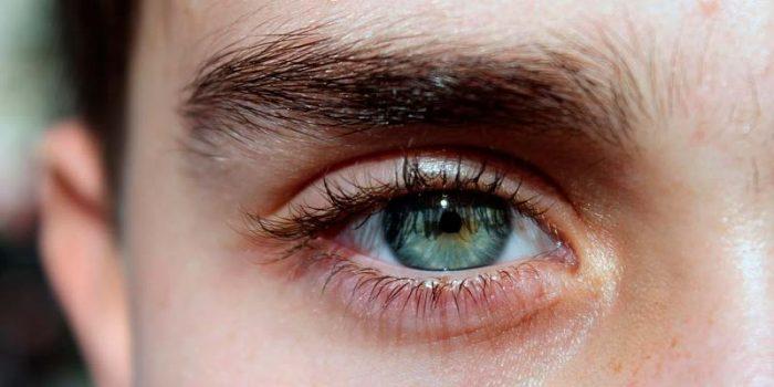¿Cómo hacer que tus cejas se vean más gruesas hombres? implantes de cejas